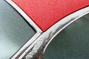 dettaglio auto rossa foto