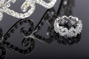 anello di gioielli