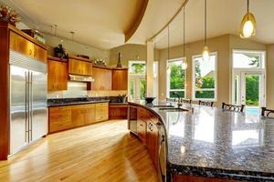 interno della cucina in casa di lusso. immobiliare, wa
