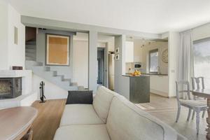 interni spaziosi ed eleganti foto