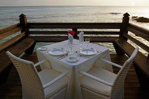 cene romantiche in riva al mare