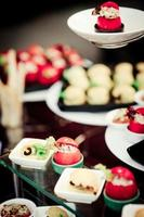 cibo sul tavolo di nozze foto