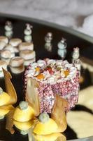 decorazione tartine ai frutti di mare foto