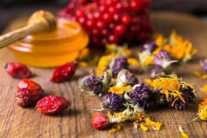 miele ed erbe aromatiche foto