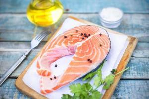 bistecca di pesce foto