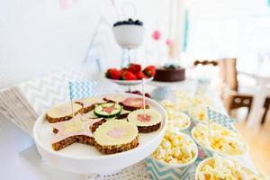 tavolo da dessert foto