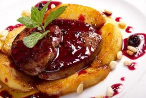 foie gras con salsa foto