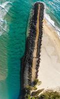 vista aerea della riva del mare foto