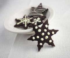 biscotto a forma di stella di cioccolato