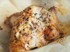 pollo alla griglia condito foto