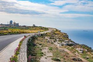 strada sulla costa foto
