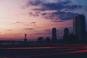 fotografia silhouette di grattacieli
