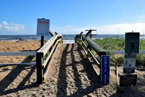 passerella per la spiaggia foto