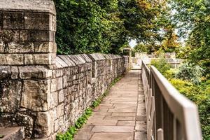 passerella delle mura della città foto