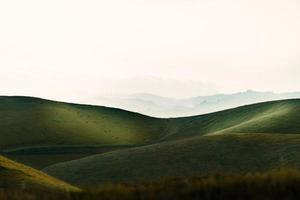 drammatico paesaggio collinare