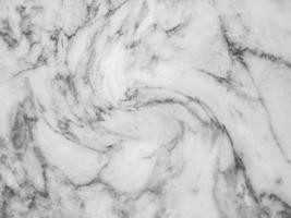 modello in marmo bianco