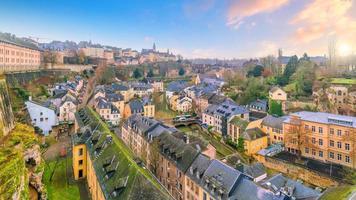 skyline della città vecchia città di lussemburgo dalla vista dall'alto foto