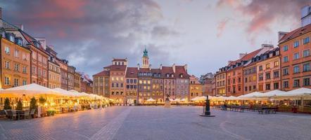 piazza della città vecchia a varsavia, polonia