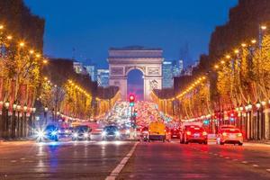 arco di trionfo a parigi, francia