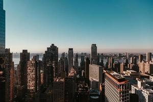 fotografia aerea di grattacieli foto