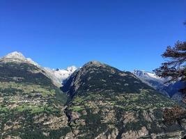 paesaggio di montagna in svizzera foto