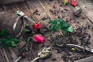 foglie di tè essiccate