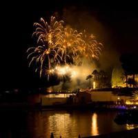 grandi fuochi d'artificio dal porto di monaco, concorso