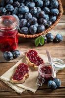 panino con marmellata di prugne fresche