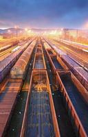 piattaforma di trasporto merci ferroviario - transito merci foto