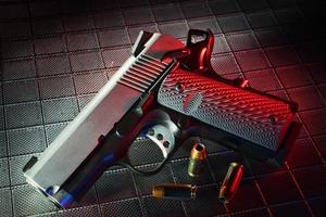 pistola rossa foto