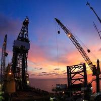 sollevare l'occhio di pesce dell'impianto di perforazione petrolifera offshore foto