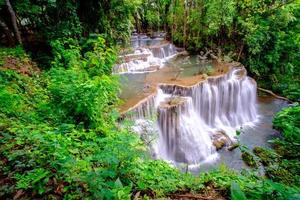 cascata huai mae khamin foto