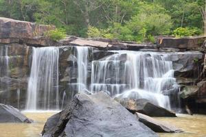 tatton cascata nel parco nazionale, provincia di chaiyaphum thailandia foto