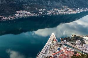 baia di kotor, montenegro. boka kotorska. foto