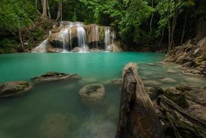cascata di Erawan in kanchanaburi, Tailandia foto
