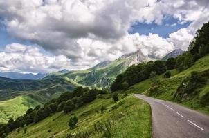 montagne dei pirenei foto