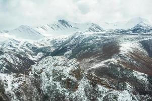 montagna di neve foto