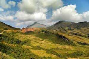 fansipan mountain foto