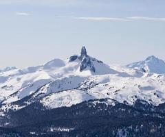 montagna di zanna nera foto