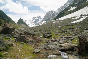 belle montagne a Sonamarg, Kashmir, India settentrionale foto
