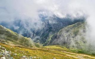 monti bucegi in romania