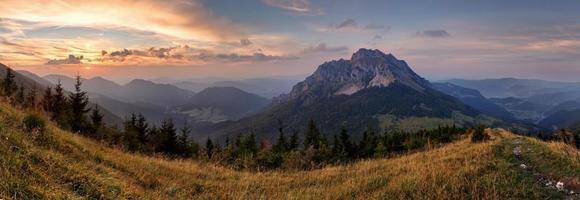 slovacchia picco di montagna rozsutec foto