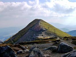 bucura peak (varful ocolit, varful bucura) dai monti bucegi - romania foto