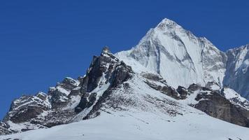 montagna appuntita palung ri, valle di gokyo