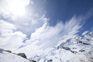 montagna di neve a zermatt