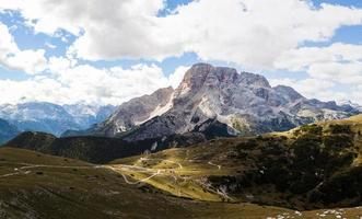 panorama di montagna - dolomiti, italia foto