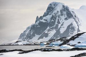 bellissime montagne innevate