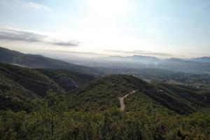 montagne all'alba foto