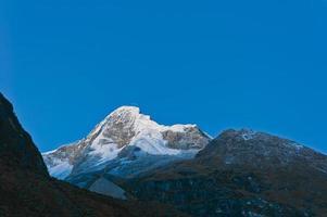 montagna del trekking di santa cruz foto