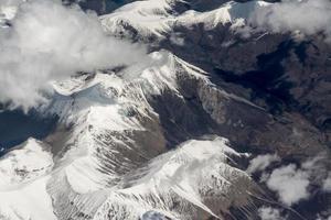 vista aerea delle montagne dell'Himalaya foto